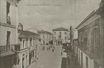 Zentraler Platz in Miglianico (CH) - Italien